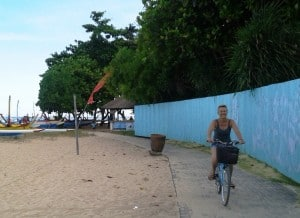 The cycle-path along the beach front at Sanur.